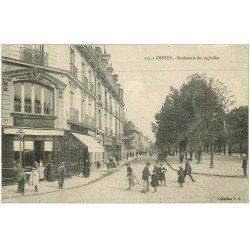 carte postale ancienne 10 TROYES. Boulevard du 14 juillet. 1915