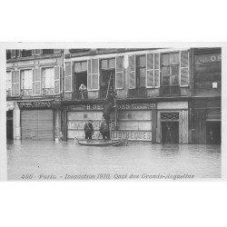 carte postale ancienne INONDATION DE PARIS 1910. Quai des Grands Augustins