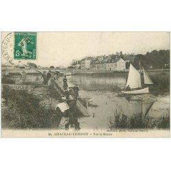 carte postale ancienne 02 CHATEAU-THIERRY. Petite embarcation et Cheval sur la Marne 1918
