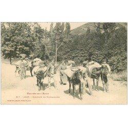 carte postale ancienne 11 AXAT. Caravane de Montagnards 1909. Anes et mules
