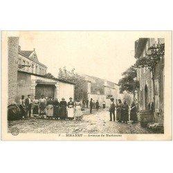 carte postale ancienne 11 BIZANET. Avenue de Narbonne