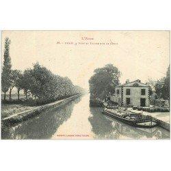 carte postale ancienne 11 BRAM. Pont et Ecluse sur le Canal avec Péniche