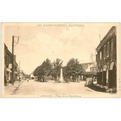 carte postale ancienne 64 ARZACQ. Place de la République 1941