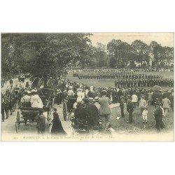 carte postale ancienne 64 BAYONNE. La Revue Militaire Camp Saint-Léon 1906