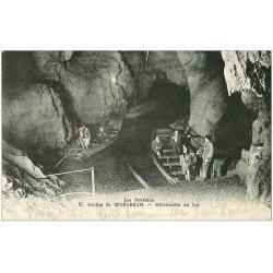 carte postale ancienne 64 BETHARRAM. Débarcadère du Lac dans les Grottes 1930