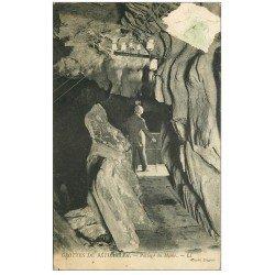 carte postale ancienne 64 BETHARRAM. Grottes Passage du Moine. Timbre arraché...