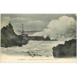 carte postale ancienne 64 BIARRITZ. Digue du Rocher de la Vierge 1911