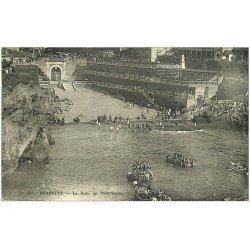 carte postale ancienne 64 BIARRITZ. Le Bain au Port-Vieux 1937