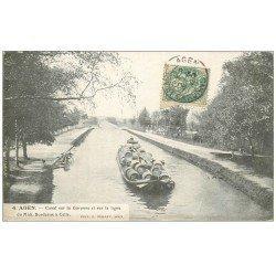 carte postale ancienne 47 AGEN. Transport de tonneaux sur Péniche au Canal et ligne 1906