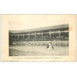 carte postale ancienne 47 CASTELJALOUX. Courses Landaises aux Arènes. Un dangereux écart 1916