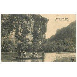 carte postale ancienne 48 GORGES DU TARN. Sortie des Détroits. Passeurs en barges 1913
