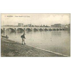 carte postale ancienne 49 SAUMUR. Jeune Pêcheur près du Pont Cessart 1908