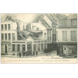 carte postale ancienne 59 BERGUES. Le Café du Midi Place de la République 1916