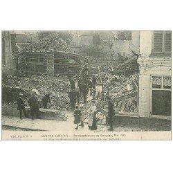 carte postale ancienne 59 BERGUES. Rue du Mont-de-Piété. Sapeurs Pompiers et Militaires