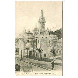carte postale ancienne 59 CAMBRAI. Porte de Paris et Cathédrale