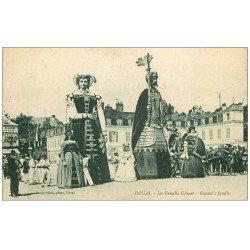 carte postale ancienne 59 DOUAI. La Famille Gayant 1933