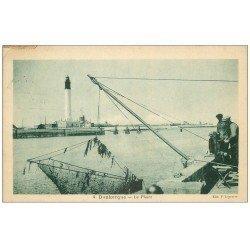 carte postale ancienne 59 DUNKERQUE. Le Phare et Pêcheurs au Carrelet ou Carreau 1928