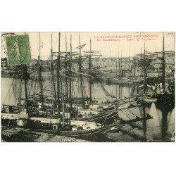 carte postale ancienne 50 CHERBOURG. Bateaux de Pêche Bassin de Commerce 1923