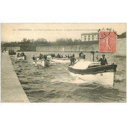 carte postale ancienne 50 CHERBOURG. La Poste aux Choux en Escadre. Canots approvisionnement du Béton 1907