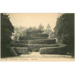 carte postale ancienne 50 COUTANCES. Le Colimaçon au Jardin 1915