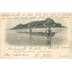 carte postale ancienne 50 LE MONT SAINT-MICHEL. Tombelaine Rocher. Pêcheurs de Coquillages 1903