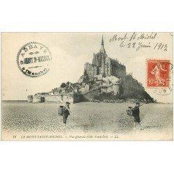 carte postale ancienne 50 LE MONT SAINT-MICHEL. Vue 1917. Pêcheurs de Coquillages