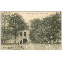 carte postale ancienne 52 BOURBONNE-LES-BAINS. Le Donjon du Château 1921 animation