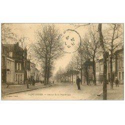 carte postale ancienne 52 SAINT-DIZIER. Avenue de la République 1928