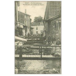 carte postale ancienne 52 WASSY. Canal des Moulins Rue Mauljean