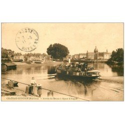 carte postale ancienne 53 CHATEAU-GONTIER. arrivée Bateau à Vapeur d'Angers 1924