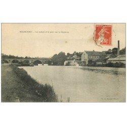 carte postale ancienne 53 ROCHEFORT. Usines et Pont sur la Mayenne 1911