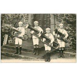carte postale ancienne 53 SAINT-FRAIMBAULT-DE-PRIERES. Fanfare des Orphelins de Saint-Georges de l'Isle. Contrebasses 1933