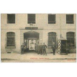 carte postale ancienne 54 LUNEVILLE. Quartier Beauvau. Militaires et Dragons 1916