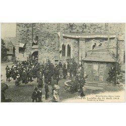 carte postale ancienne 12 Fêtes de LACALM. Sortie de Messe en 1913