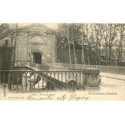 carte postale ancienne 54 TOUL. La Porte de Metz 1903