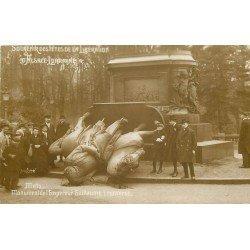 57 METZ. Monument Empereur Guillaume renversé. Fêtes Libération Alsace Lorraine . 1919 détaché d'un cahier