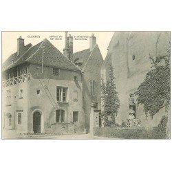 carte postale ancienne 58 CLAMECY. Maison et Statue de Bat-le-Duc
