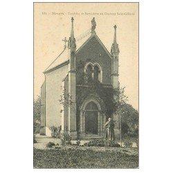 carte postale ancienne 58 NEVERS. Couvent Saint-Gildard Tombeau de Bernadette avec Curé