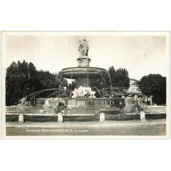 carte postale ancienne 13 AIX-EN-PROVENCE. Fontaine de la Rotonde 1940. Carte Photo