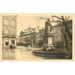 carte postale ancienne 13 AIX-EN-PROVENCE. Fontaine et Statue du Roi René