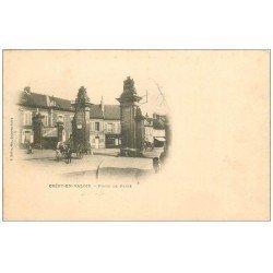 carte postale ancienne 60 CREPY-EN-VALOIS. Porte de Paris vers 1900