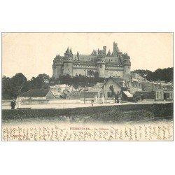 carte postale ancienne 60 PIERREFONDS. Le Château 1904 et Café du Lac animation