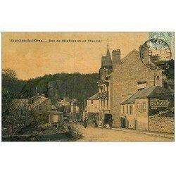 carte postale ancienne 61 BAGNOLES-DE-L'ORNE. Rue Etablissement Thermal 1907. Superbe Carte Toilée. Affiche Dunlop