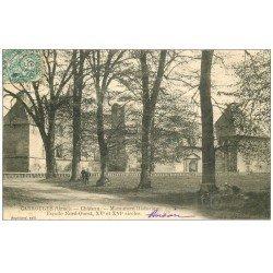 carte postale ancienne 61 CARROUGES. Le Château 1906 Hommes et Motocyclettes