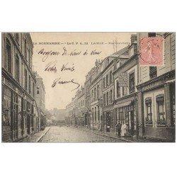 carte postale ancienne 61 LAIGLE L'AIGLE. Lunettier Rue Gambetta 1906 Café Tabac