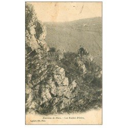 carte postale ancienne 61 LES ROCHES D'OETRE. Personnage assis 1904