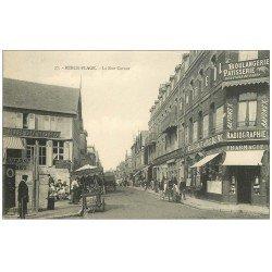carte postale ancienne 62 BERCK. Rue Carnot vendeur de Glaces ambulant et Pharmacie