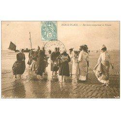 carte postale ancienne 62 BERCK-PLAGE. Berckoise remportant le Poisson 1906. Métiers de la Mer