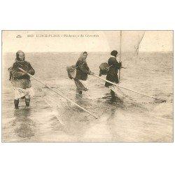 carte postale ancienne 62 BERCK-PLAGE. Pêcheuses de Crevettes 1930. Métiers de la Mer