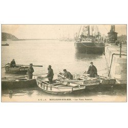 carte postale ancienne 62 BOULOGNE-SUR-MER. Les Vieux Passeurs vers 1900. Marins métiers de la Mer